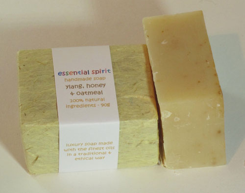 Handmade Ylang Ylang, Honey and Oatmeal Soap (100g)